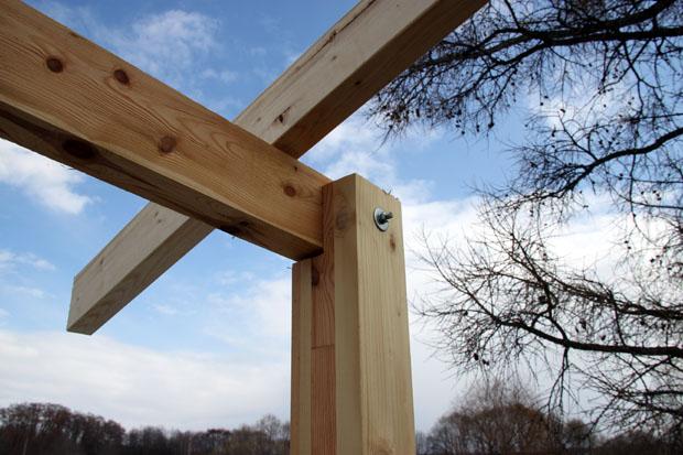 Болтовое соединение деревянной конструкции
