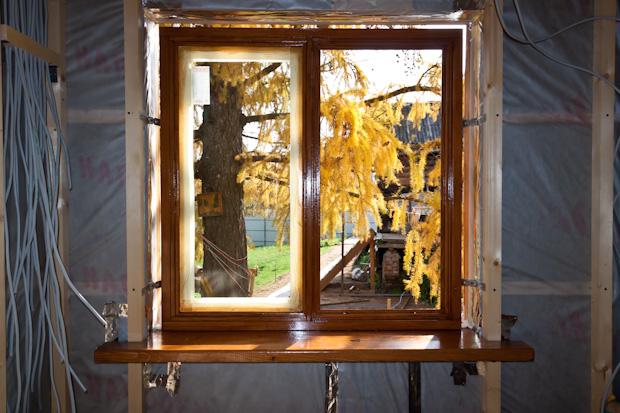 Монтаж окон пвх своими руками в деревянном доме видео