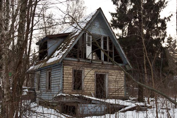 Заброшенный дачный дом