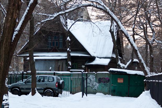 Дом Жукова. Улица Усиевича, 1а