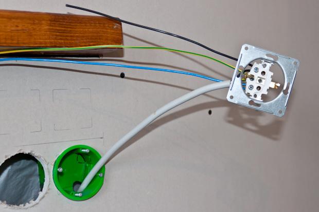 подключение розетки к проводам