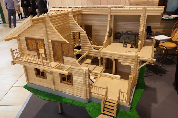макет деревянного дома