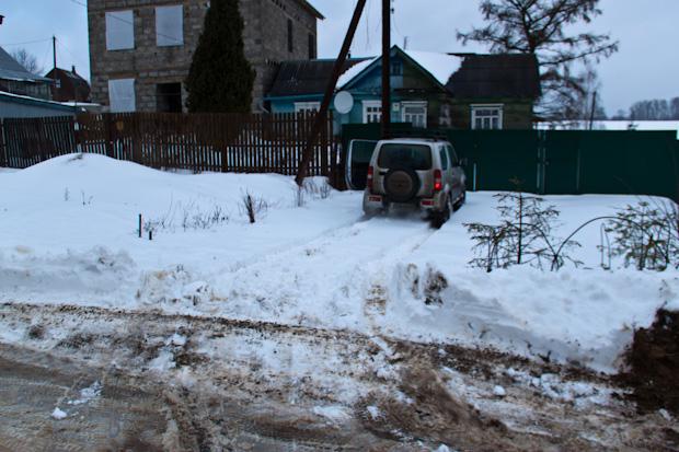 занесло снегом подъезд
