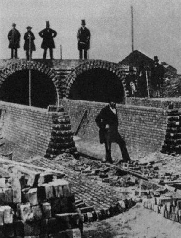 строительство канализации в Лондоне
