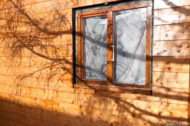 имитация бруса, деревянно окно