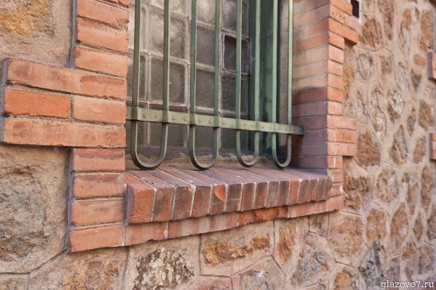Барселона. Откосики и подоконники из кирпичей