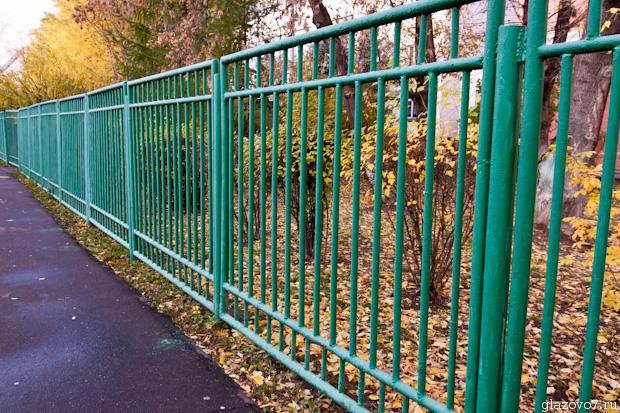 забор из труб
