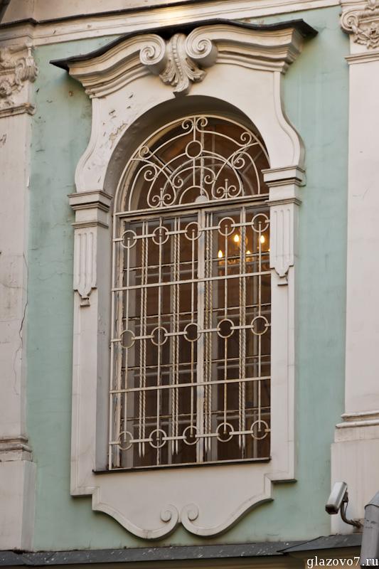 старинное окно
