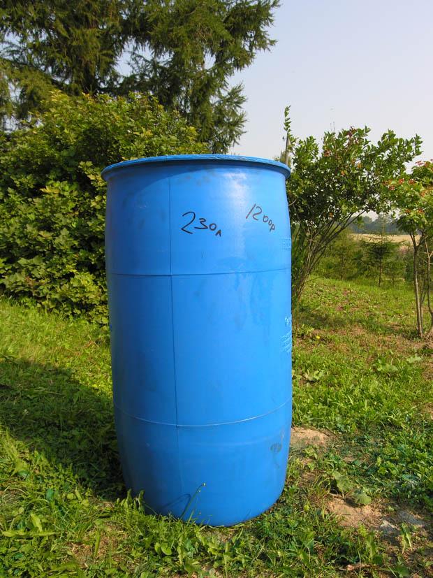 Пластиковая бочка на 230 литров