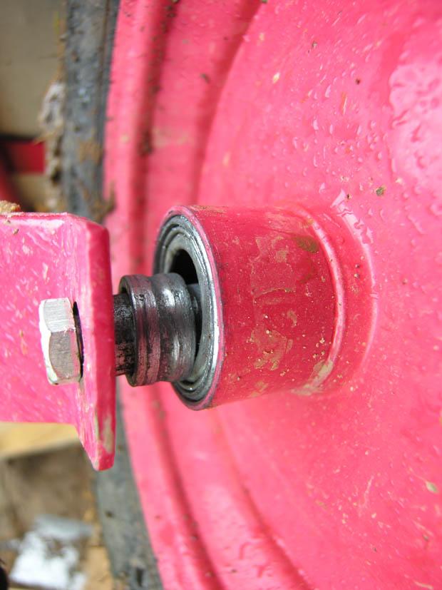 Сломался подшипник колеса у тачки