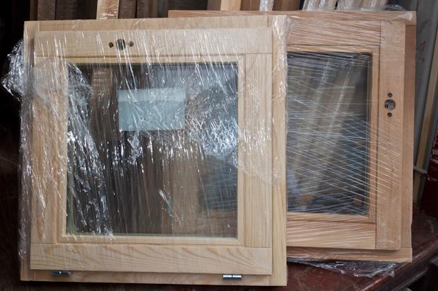 окно из сосны и из лиственницы