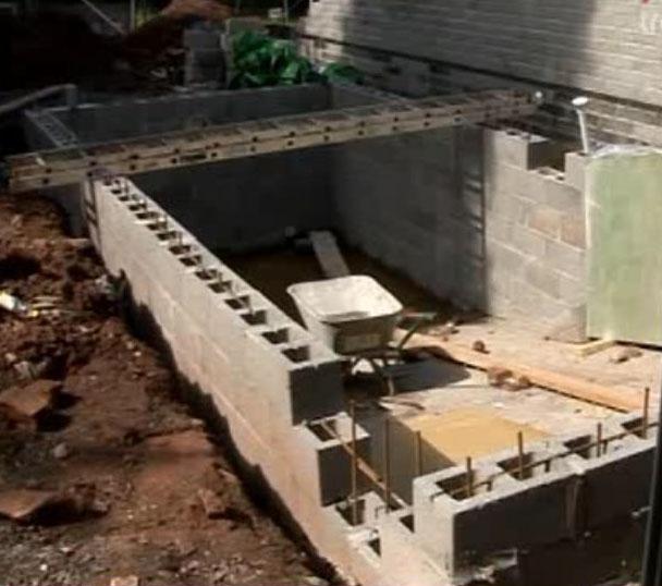 стена для бассейна