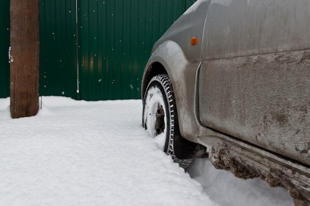Колесом в снегу