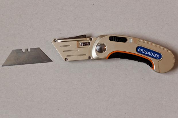 Нож Brigadier с лезвием Extrema