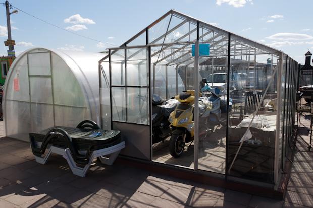 стеклянная и поликарбонатная теплица