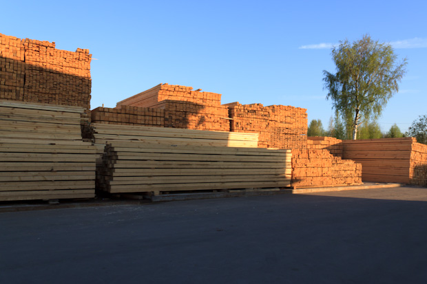 древесина на рынке