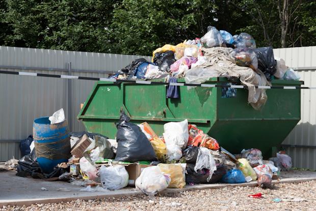 полная мусорка