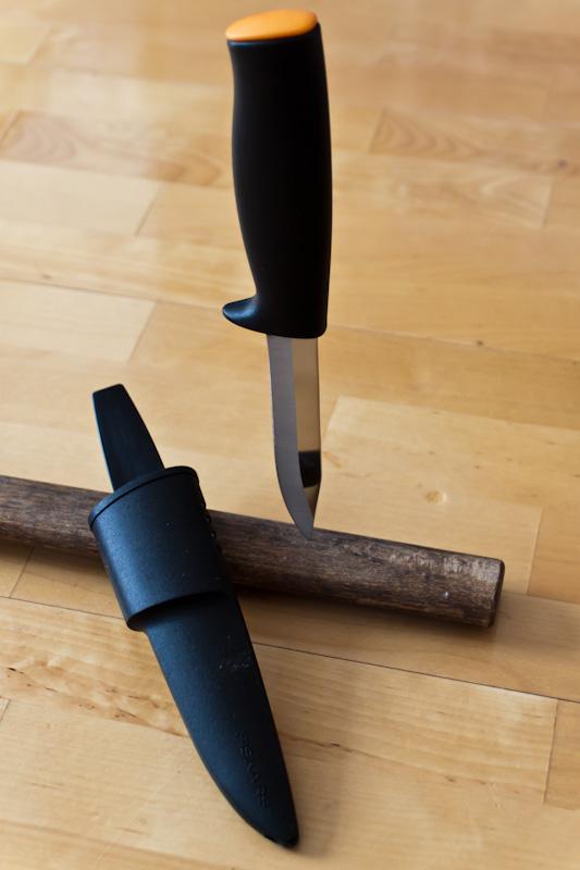 Садовый нож Fiskars