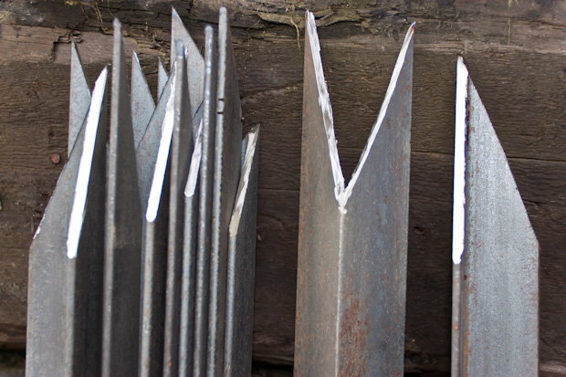 стальной уголок