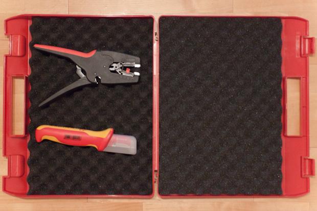 KN-002115LE, пластиковый чемодан