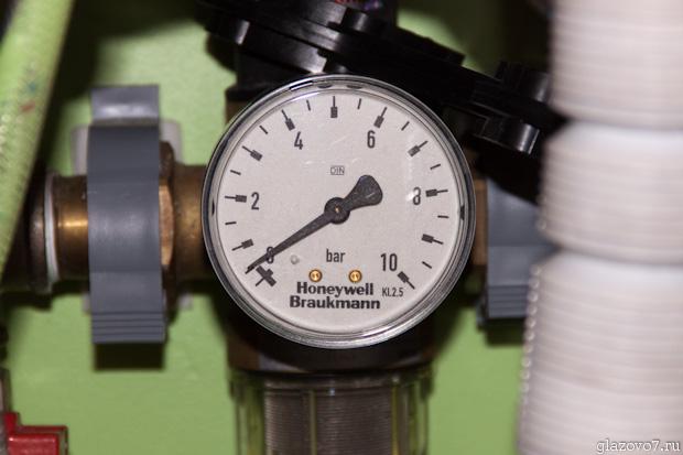 манометр - давление воды