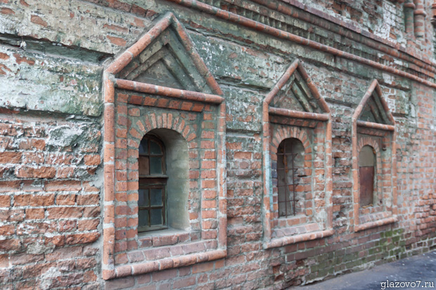 окно старинное