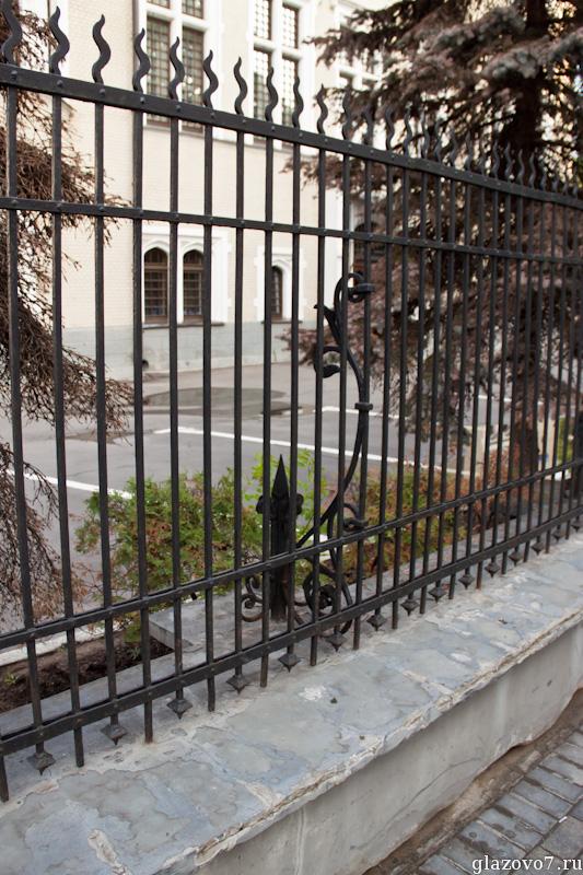 Ажурный внутренний заборный столб